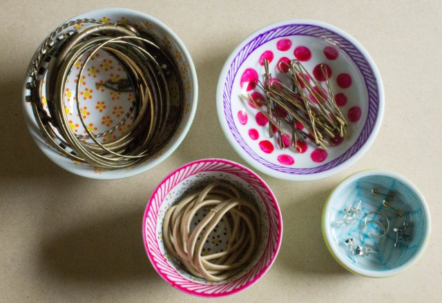 How to decorate ceramic and make your own jewellery organisation system all at once.